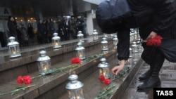 Цырымонія памяці 2012 году. Архіўнае фота