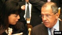 سرگئی لاوروف، وزیر امور خارجه روسیه (راست)