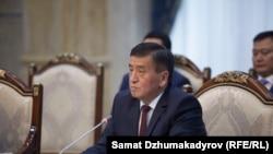 Өкмөт башчы Сооронбай Жээнбеков.