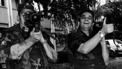 Branimir Glavaš pozira u Osijeku 1991. godine, arhivska fotografija