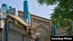 نمایی از یک بخش از حصار ناصری که خانه حاکم تهران نیز در آن واقع است