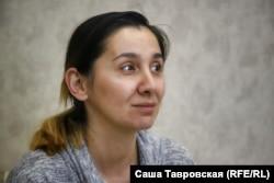 Левиза Джелялова в своем доме, село Первомайское Симферопольского района, 26 сентября 2021 года
