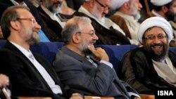 از راست: صادق، محمدجواد و علی لاریجانی