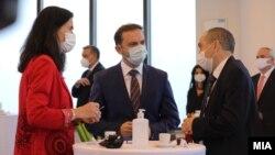 Германската амбасадорка Анке Холштајн, министерот Бујаро Османи и бугарскиот амбасадор во Скопје, Ангел Ангелов, МНР Скопје, 28 октомври 2020