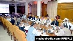 بلوچستان: نواب اسلم ریسانی په کوټه کې د صوبايي حکومت د یوې غونډې پر مهال. ۱۷ نومبر ۲۰۱۲