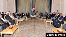اجتماع لزعماء سياسيين عراقيين (من الارشيف)