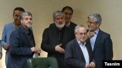 محمود صادقی، شهاب الدین بیمقدار و مصطفی کواکبیان سه نفر از امضاکنندگان این تذکر