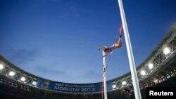 Jelena Isinbajeva gjatë garave botërore që po mbahen në Moskë