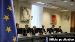 Kryeministri, Isa Mustafa dhe kabineti qeveritar në takim me delegacionin nga Parlamenti Evropian