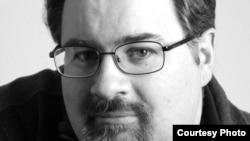"""Основатель """"Журналистского центра по исследованию коррупции и оргпреступности"""" (OCCRP) Дрю Салливан"""