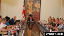 В ходе заседания бюро спикер парламента Давид Бакрадзе пояснил, что именно означает этот статус