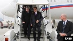Председатель Госдумы Сергей Нарышкин и постоянный представитель РФ при ООН и международных организациях в Женеве Алексей Бородавкин (слева)