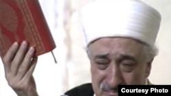 Авджи в своей книге называет секту Фаттулаха Гюлена (на фото) «государством в государстве»