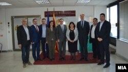 Амбасадорите на САД и ЕУ Џес Бејли и Аиво Орав во посета на Државната изборна комисија (ДИК).