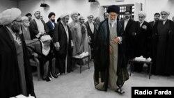 Iranski vrhovni vođa ajatolah Ali Hamenei sa članovima Skupštine