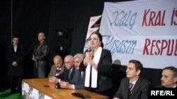 Referendum təşviqatı zamanı bir qrup müxalifət liderinin seçicilərlə görüşü. 6 mart 2009