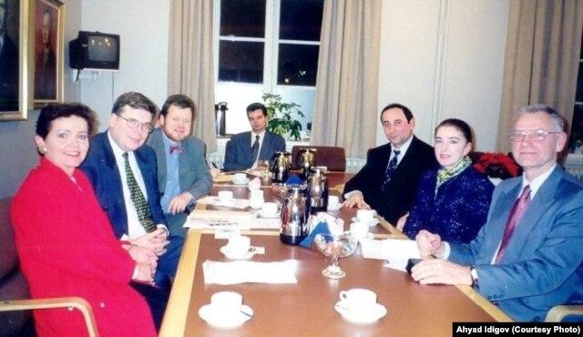 Ахъяд Идигов в парламенте Исландии, 1997