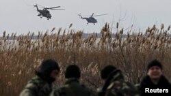Российские вертолеты Ми-35 над полями Херсонщины. 16 марта