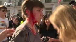 Oppozisiýa protesti basylyp ýatyrylanda Moskwa şäher geňeşiniň deputatyny polisiýa urdy