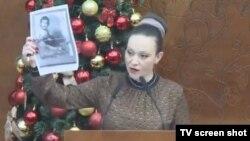 Пратеничката Рашела Мизрахи на собраниската говорница