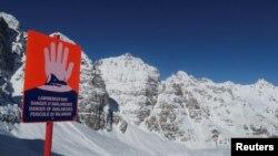 Австрийските алпийски курорти станаха един от факторите за бързото разпространение на епидемията от коронавирус в Европа през февруари