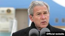 بوش : «تصميمی برای باز گرداندن سربازان بيشتری از عراق به آمريکا نگرفته است.»