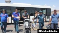 Վերին Լարսում մնացած քաղաքացիները ժամանում են Հայաստան, 1-ը հուլիսի, 2016թ.
