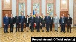 Guvernul Ion Chicu împreună cu Igor Dodon și Zinaida Greceanîi după depunerea jurământului, 14 noiembrie 2019