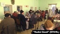 Як хонаи пиронсолон дар Душанбе