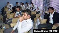 طلاب في مدرسة الموهوبين الجديدة في ميسان