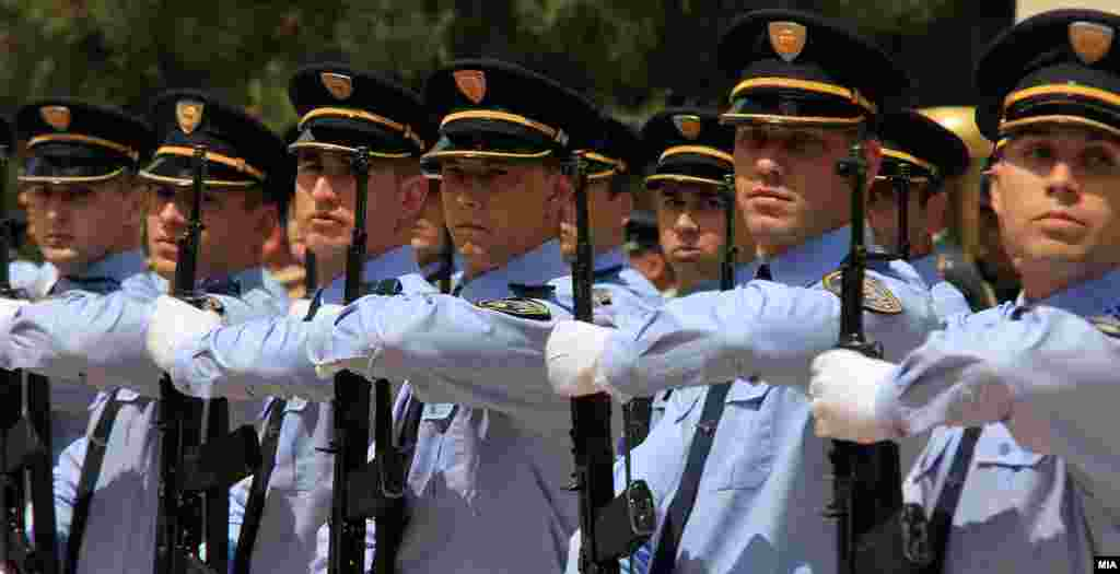 МАКЕДОНИЈА - Од почетокот на оваа година треба да профункционира и надворешниот механизам за контрола на полицијата или полицискиот правобранител (ветинг). Веќе е воспоставено такво одделение во Обвинителството за организиран криминал.