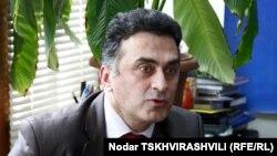 """В своем открытом письме к Иванишвили Заза Хатиашвили вопрошает: """"Осознаете ли вы, что, инициировав эту поправку, вы поставили себя на одну доску с Михаилом Саакашвили и Вано Мерабишвили?"""""""