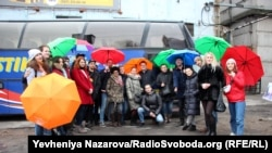 Учасники екскурсії «Автобус прав людини»