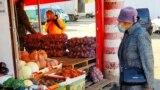 На оптово-розничном рынке «Привоз» в Симферополе. Иллюстрационное фото