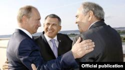 Президент Российской Федерации Владимир Путин, президент Татарстана Рустам Минниханов, первый президент Татарстана Минтимер Шаймиев