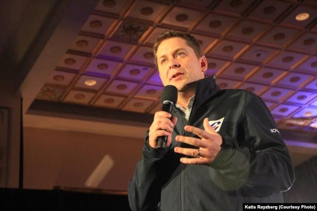 Эндру Шыр. Яго партыя здабыла 121 мандат з 338. У Лібэральнай партыі Трудо 157 месцаў у парлямэнце.