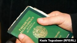 Kazakhstan/Uzbekistan - Refugees. Migrant. Migration. Extradition. Tortures. Uzbek passport. Almaty, 13Dec2010.