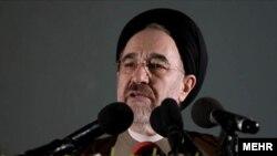 رييس جمهور سابق ايران سياست هاى دولت محمود احمدى نژاد را زير سوال برد.
