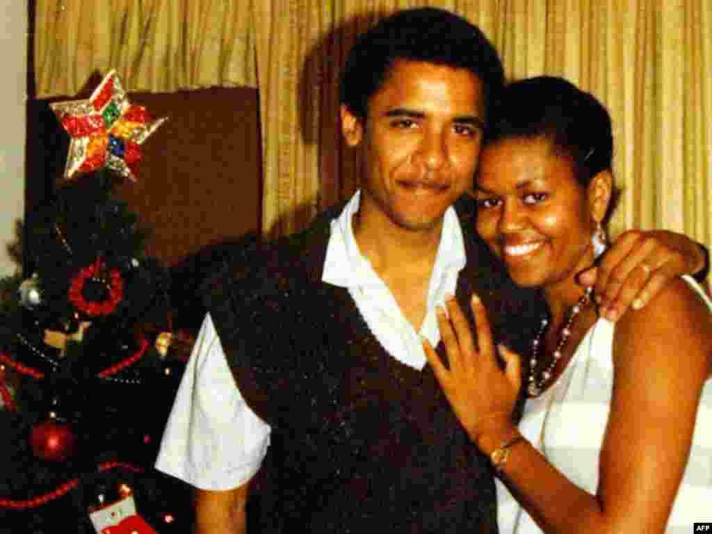 Барак Обама - АҚШ нинг 44-президенти - Барак Обама рафиқаси Мишел билан. Ҳавайи¸ 1990-йиллар.