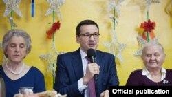 Матэвуш Маравецкі падчас адзначэньня Дня бабулі 21 студзеня 2018 году. Фота канцылярыі Маравецкага.