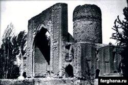Ашратхонанинг 1895 йилги тасвири