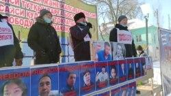 В Актобе полиция применила силу к протестующим, в Уральске активисты выдвинули требования властям