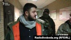 Син голови МВС Олександр Аваков в супроводі детективів НАБУ