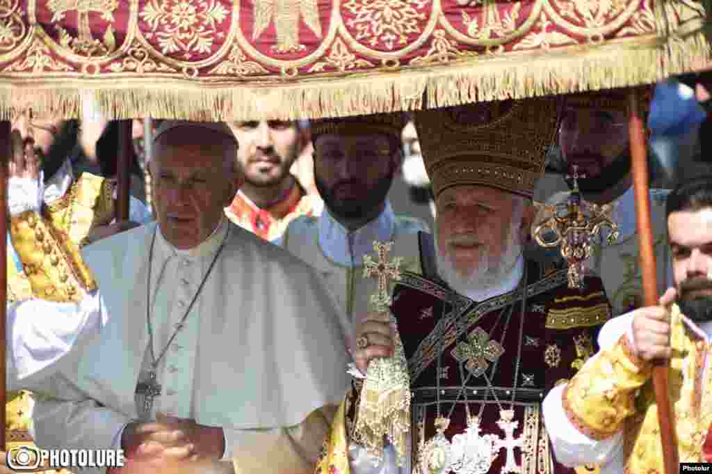 Pope Francis and Catholicos of All Armenians Karekin II