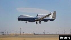 Новий безпілотний розвідник США Triton. Його планують узяти на озброєння 2017 року