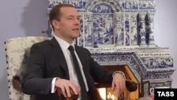 Ռուսաստանի վարչապետ Դմիտրի Մեդվեդևը Գորկիի նստավայրում հարցազրույց է տալիս «Ռոսիյսկայա գազետա»-ին, 9-ը նոյեմբերի, 2015թ․