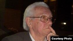 الصحفي العراقي المعروف فايق بطي
