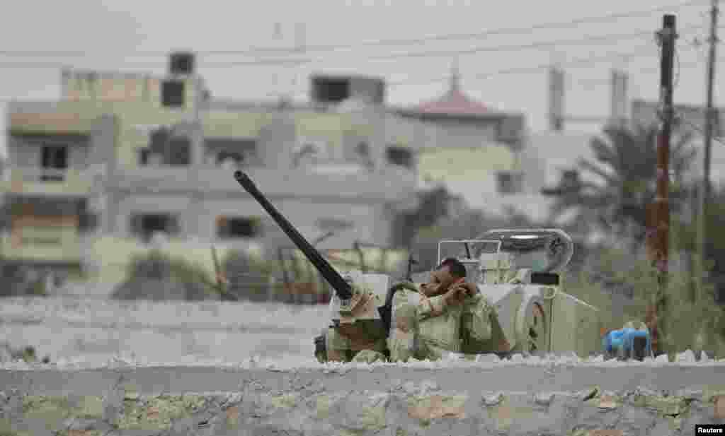Эгіпэцкі салдат на сяжы з сэктарам Газа