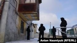 Силовики в анексованому Росією Криму під час обшуку в офісі адвокатів, 26 січня 2017 року
