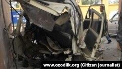 Взорвавшийся на автозаправочной станции автомобиль. Коканд, 19 октября 2014 года.